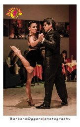 Adrian Veredice y Alejandra Hobert Barbara Oggero fotografia tango esibizione aldobaraldo