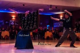 xiv-torino-anima-tango-2016-2017-carina-lucca-y-leo-mosqueda-folklore-argentino-1