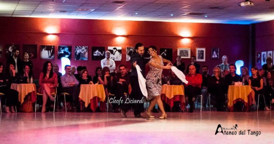 xiv-torino-anima-tango-2016-2017-giselle-castellano-gaticalujan-e-roque-castellano-folklore-argentino-3