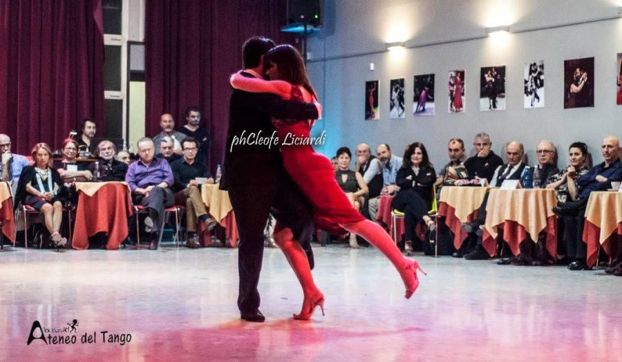 xiv-torino-anima-tango-2016-2017-malika-pitou-nicolier-y-haris-mihail-tango-argentino-3